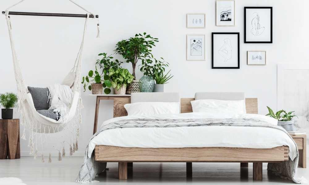 How to create space in your bedroom